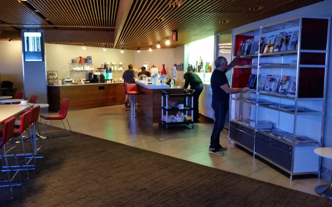Review: Air Canada Maple Leaf Lounge – New York LaGuardia