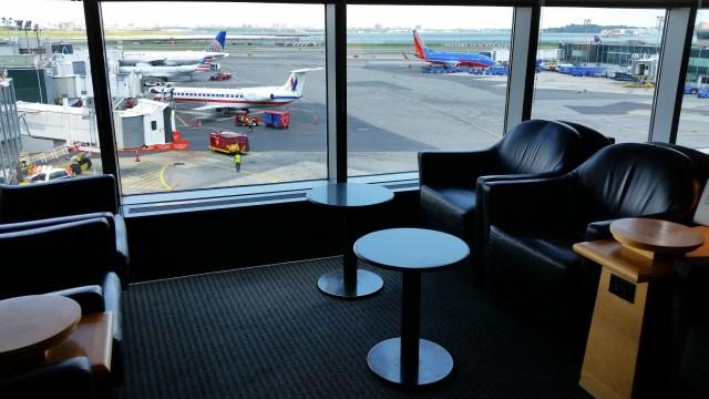 united club lounge LaGuardia airport