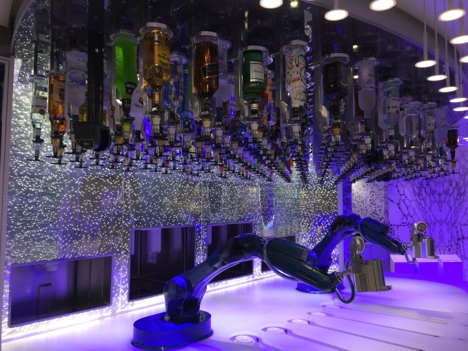 Bionic Bar on Harmony of the Seas