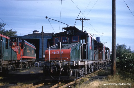 """According to Don's Rail Photos, loco 453 """"was built by General Electric in June 1918, (order) #6903."""""""
