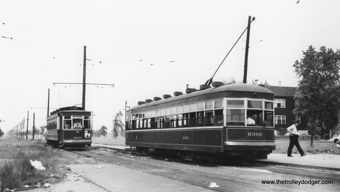 "CSL 5626, signed for Navy Pier, prepares to pass car 6300. Bob Lalich says we are ""just north of 93rd and Stony."" (Joe L. Diaz Photo)"
