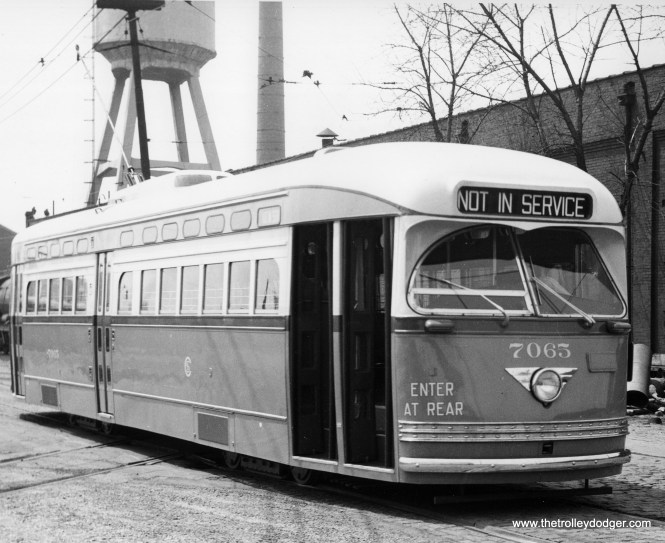 CSL 7065 at South Shops in 1947. (M. D. McCarter Collection)