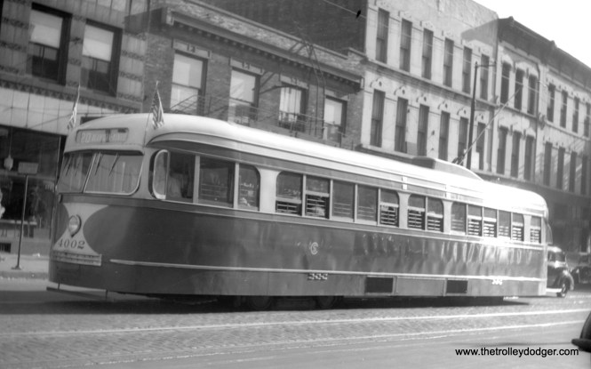CSL 4002 is eastbound at Madison and Paulina on July 4, 1941. (M. D. McCarter Collection)