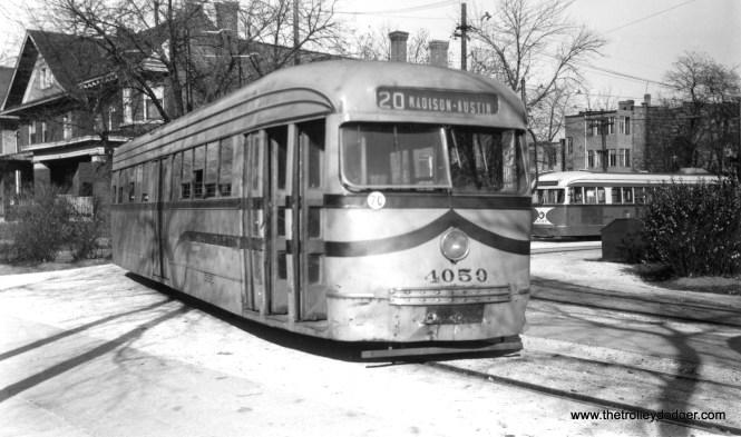 CSL 4050 in experimental Coronado Tan, with 4047 behind it, at the Madison-Austin loop on November 2, 1946. (Harold A. Smith Photo)
