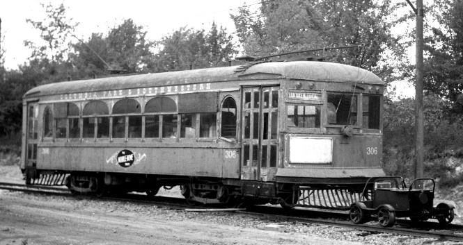 """A close-up of Columbia Park & Southwestern 306 on the """"Mobile Home Route."""""""