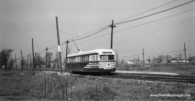CTA pre-war PCC 4007 speeds east on private right-of-way near the Narragansett terminal of the 63rd Street line. (Joe L. Diaz Photo)