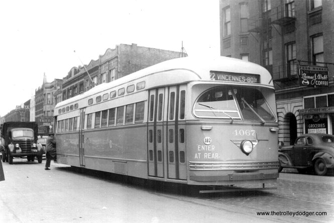 CSL PCC 4067 is southbound on Clark just north of Belmont circa 1946-47. Note the standee windows on this car are in their original livery, which was soon changed. (Edward Frank, Jr. Photo)