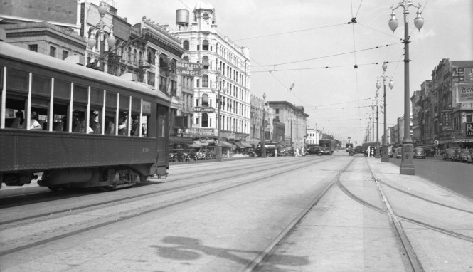 We posted a New Orleans Public Service photo recently (see Points East, West, and South, May 17, 2017), and here is another. This 1940s shot shows car 438 on Canal Street, when it still had four tracks.