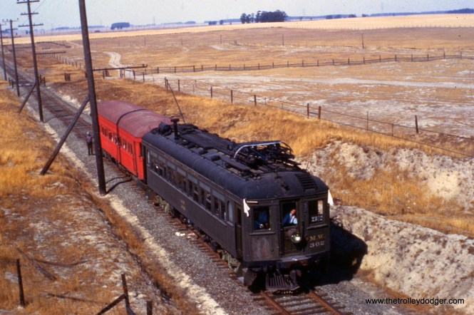 """Sacramento Northern MW-302 on an early 1960s fantrip. Don's Rail Photos: """"1020 was built by Hall-Scott Motor Car Co in 1913, as OA&E 1020. It became SF-S 1020 in 1920 and SN 1020 in 1928. It was renumbered as MW302 in 1941 and went to Western Railway Museum in 1962."""""""