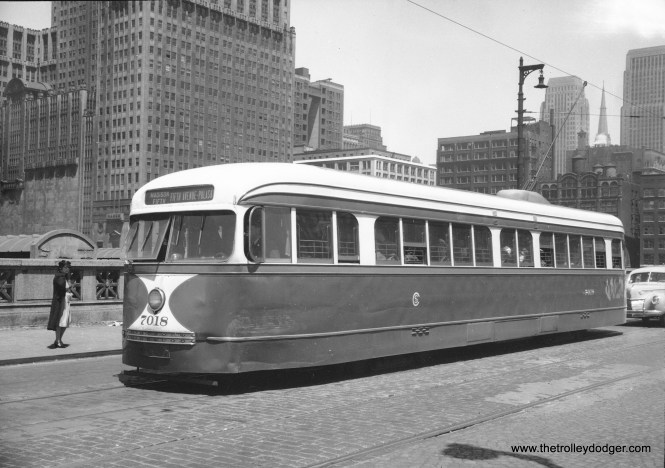 CSL 7018, a Madison-Fifth car, heads west near Union Station in August 1941.
