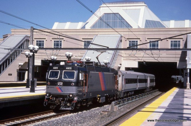 Photo 2. NJT ALP-44 #4411 at the Secaucus transfer station September 6, 2003, the station's opening day.