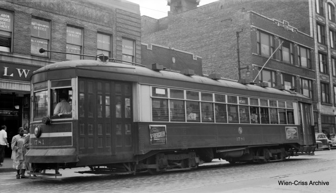CTA 1781 at the same location. The white stripe on the front let riders know that this was a one-man car, and therefore they should enter at the front, instead of the rear, as they would on a two-man car. (Robert Selle Photo, Wien-Criss Archive)