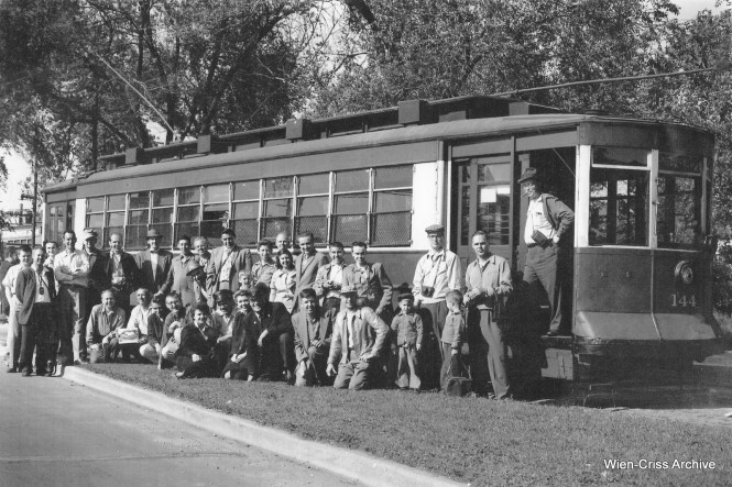The group photo from the last Chicago streetcar fantrip on May 25, 1958. This was less than a month before the end of streetcar service in Chicago. (Robert Selle Photo, Wien-Criss Archive)