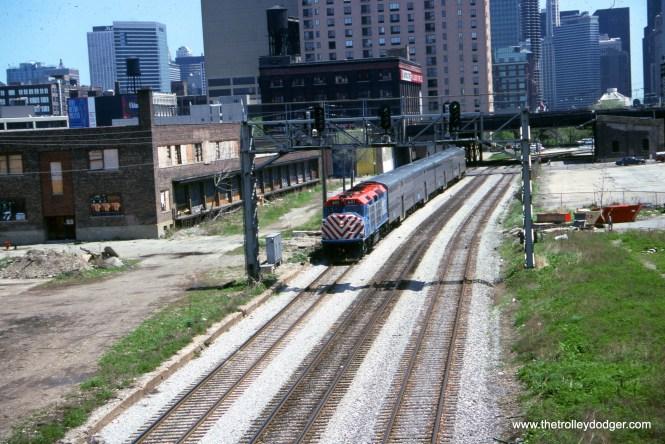 Metra 601 at DesPlaines Street on May 18, 1996.