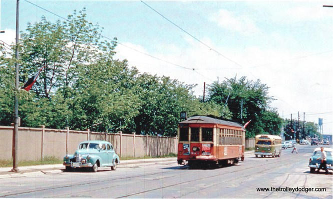 964 at 81st and Greenfield. WTL Waukesha bus following. (Don Ross photo)