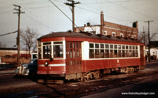 CSL one-man car 6213 is at 89th and Avenue O in October 1946, on Route 93-95. (William Shapotkin Collection)