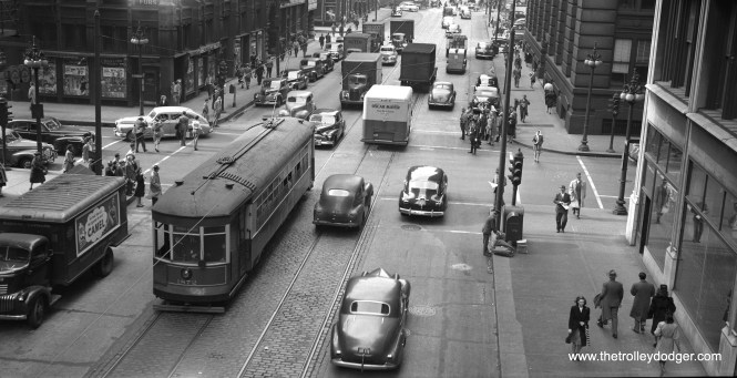 CSL 1872 is on Franklin at Jackson on June 13, 1947.