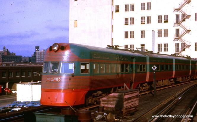 CNS&M Electroliner 802-801 at Roosevelt Road in Chicago on November 11, 1962. (William Shapotkin Collection)