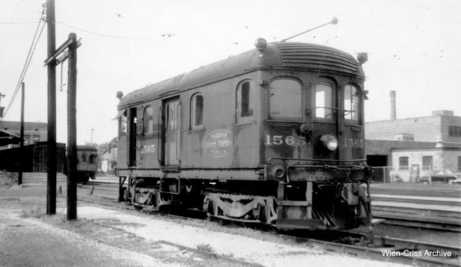 """Don's Rail Photos: """"1565, Class B, was built at Decatur in 1910. It was sold to Illinois Power & Light Co at Campaign on April 10, 1955. It was acquired by Illinois Railway Museum in 1960."""""""