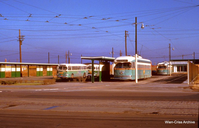 CTA 4373 and others at the Western and 79th loop on November 23, 1952. (Wien-Criss Archive)