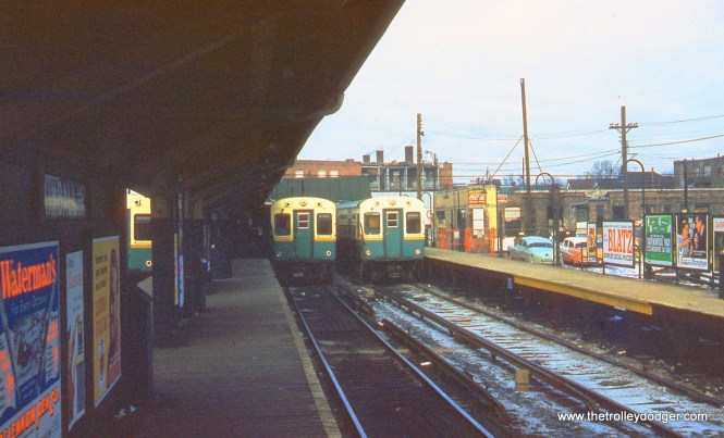 The Ravenswood (today's Brown Line) terminal at Lawrence and Kimball, looking north, in January 1960.