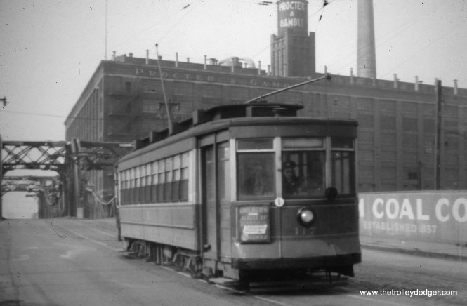 CTA 117 on North Avenue by the Chicago River in April 1949.