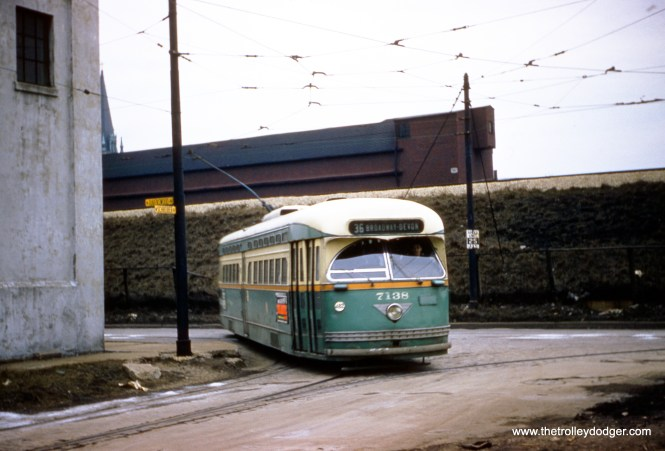 CTA 7138 at Schreiber and Ravenswood, near Devon Station. (Robert Heinlein Photo)