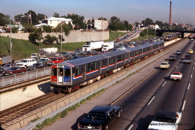 CTA 2554 on a westbound Douglas-Milwaukee B-train between Jefferson Park and Montrose on August 17, 1978. (Wien-Criss Archive)