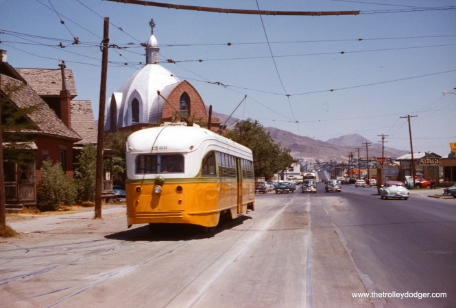 El Paso 1500 backs up at the Cotton Street Carbarn on June 12, 1959. (Clark Frazier Photo)