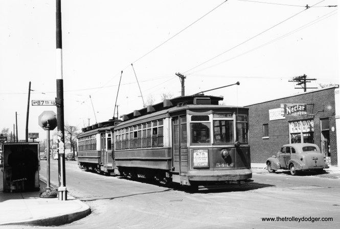 CTA 5444 is one of two cars at Racine and 87th Street. (Joe L. Diaz Photo)