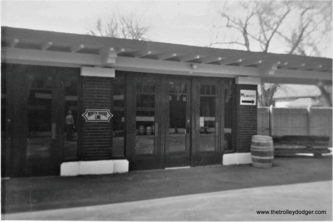 NSL Kenosha Station, north end of the southbound platform, April 5, 1972. (Larry Sakar Photo)