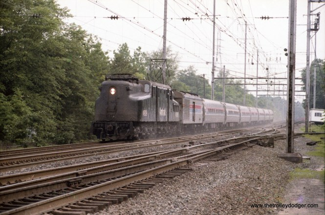 Northbound Amfleet train with the GG1 that wasn't, #4939 at Odenton, Md. This engine is now at IRM with it's correct number, 4927.
