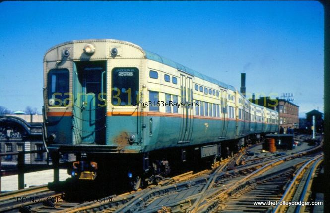 A train of CTA 6000s at the old Stony Island terminal on the Jackson Park branch.