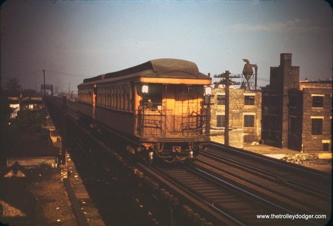 """On August 3, 1950, an eastbound Garfield Park """"L"""" train approaches Western Avenue station. (William C. Hoffman Photo)"""