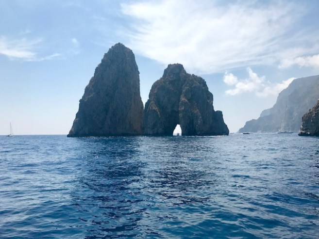 Complete Guide to the Amalfi Coast. - Capri boat trip