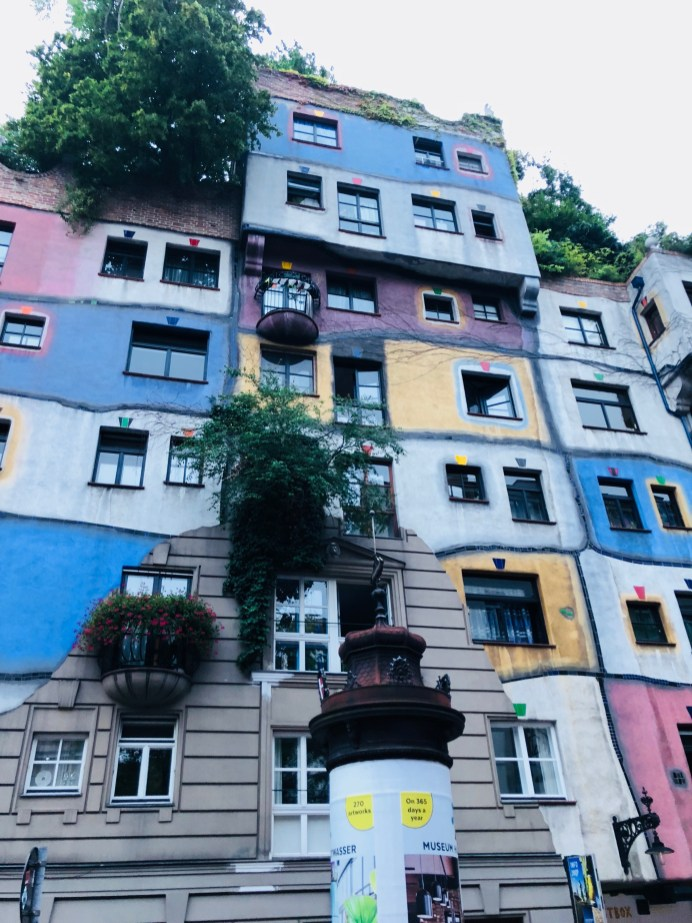 Colourful houses vienna - Hundertwasser Haus