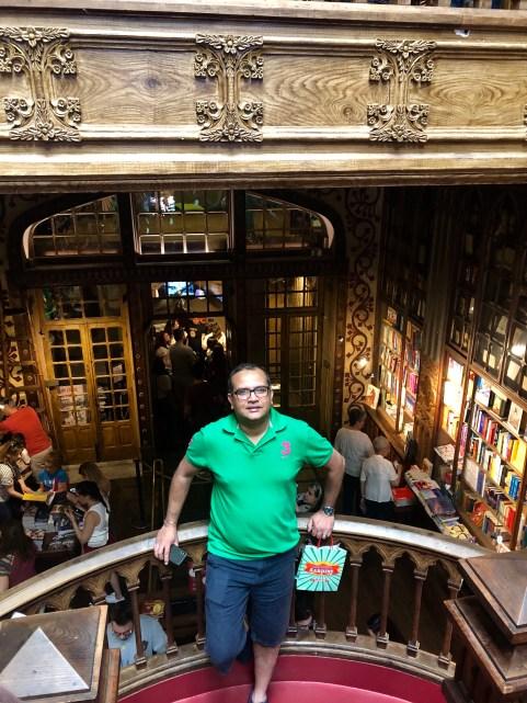 The trraveller @Livraria Lello – Porto's famous bookstore