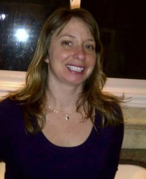 Photo of missing person Shelly Desrochers