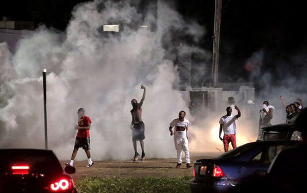 Violent Riots In Memphis TN Following Police Shooting [Just In]