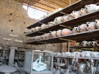 Items found preserved in Pompeii