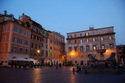 Piazza di Santa Maria in Trastevere (photo by James.Springer on flickr)