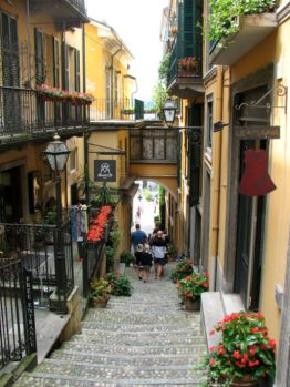 Steep streets of Bellagio