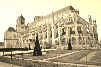 Bourges Cathedral - The Best of France: A Two Week Itinerary - The Trusted Traveller