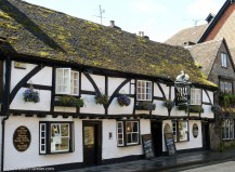 A quaint country pub in Salisbury - See the Best of England: A Three Week Itinerary - The Trusted Traveller
