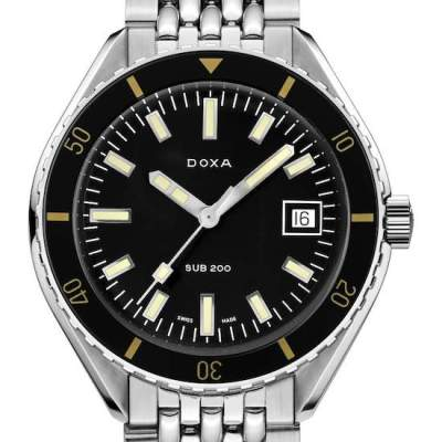 Doxa: one of the best dive watches under $1000