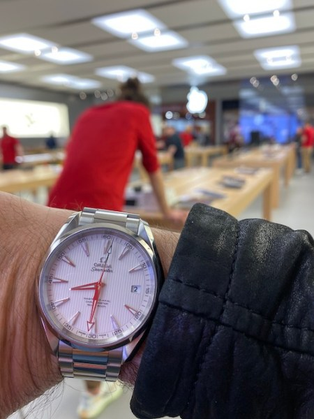 Luxury watch prices in danger of dropping. OMEGA Aqua Terra Apple Store