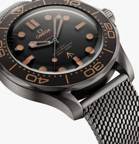 007 Edition OMEGA Seamaster dial closeup