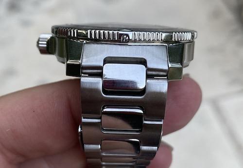 Bezel screw 6