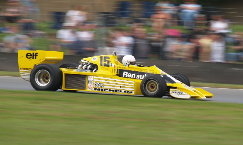 Renault rs01 f1 F1 car that inspired the Bell & Ross LE Chronograph