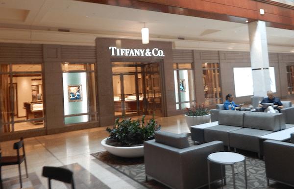 LVMH bails on buying Tiffany & Co